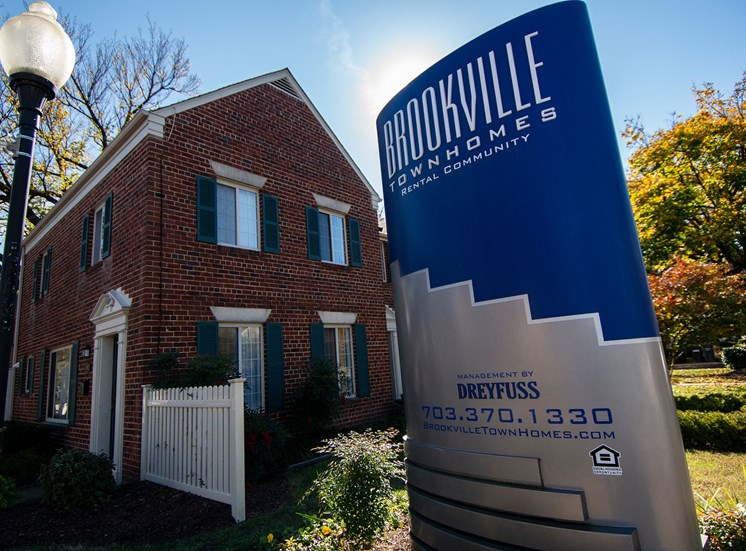 Brookville Townhomes Signage 05