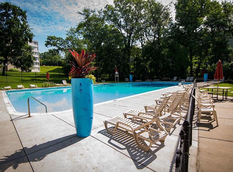 Heritage Park Apartments Pool 1