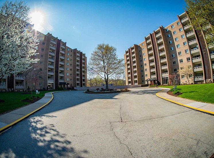 Laurel Village Apartments Circle Drive