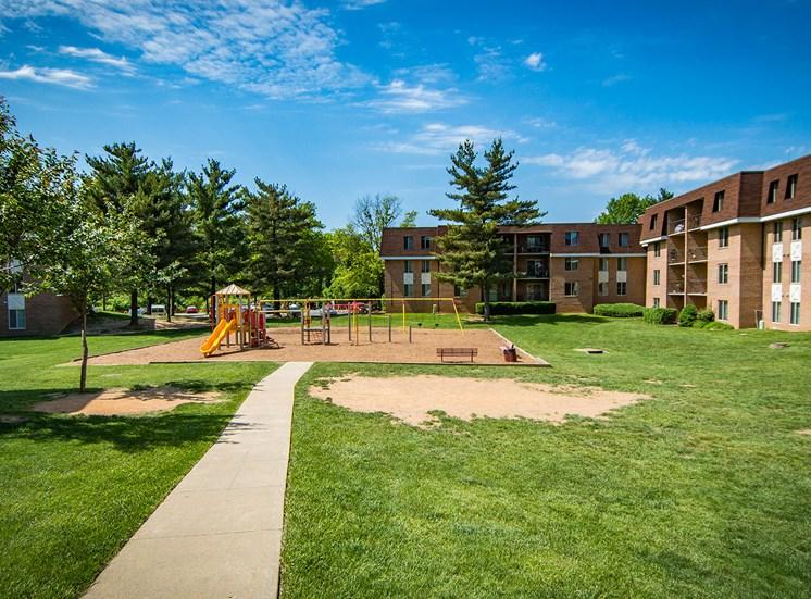 Oakton Park Apartments Playground Far 18