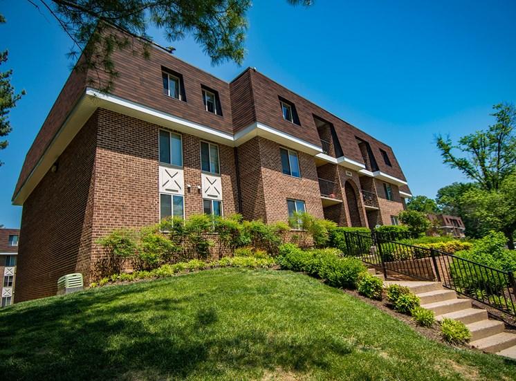 Oakton Park Apartments Building Exterior 01