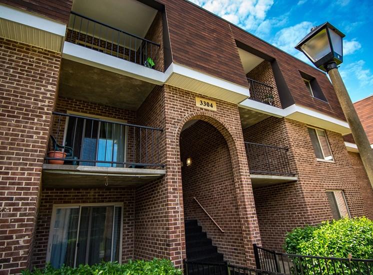Oakton Park Apartments Building Exterior 17
