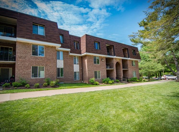Oakton Park Apartments Building Exterior 29