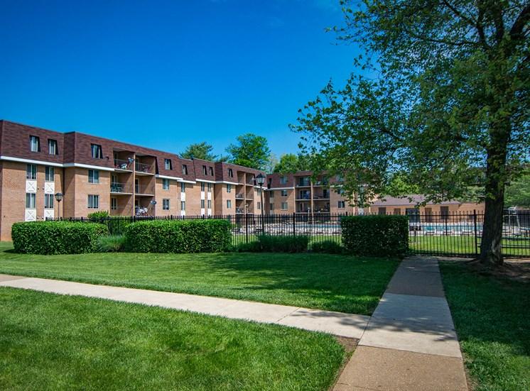 Oakton Park Apartments Building Exterior Pathway 36