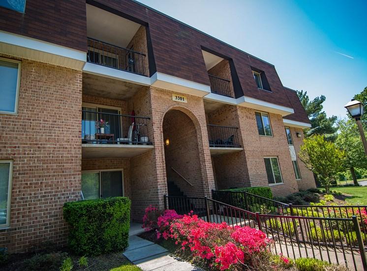 Oakton Park Apartments Building Exterior 41