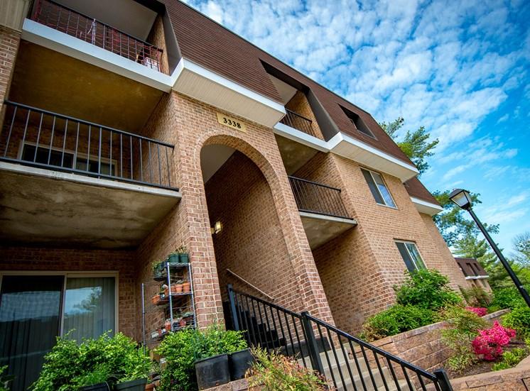 Oakton Park Apartments Building Entryway 43