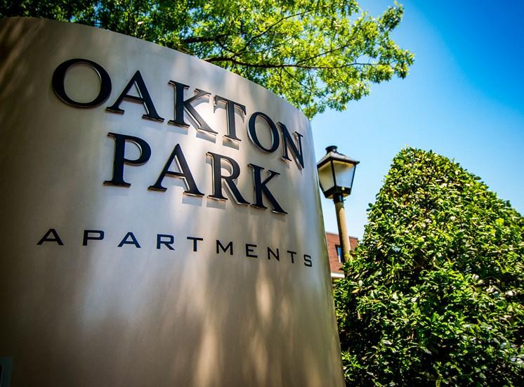 Oakton Park Apartments Signage 42