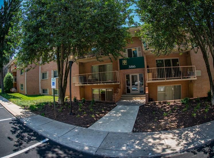 Spring Ridge Apartments Building Exterior 1