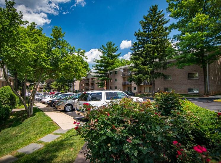 Spring Ridge Apartments Parking 1