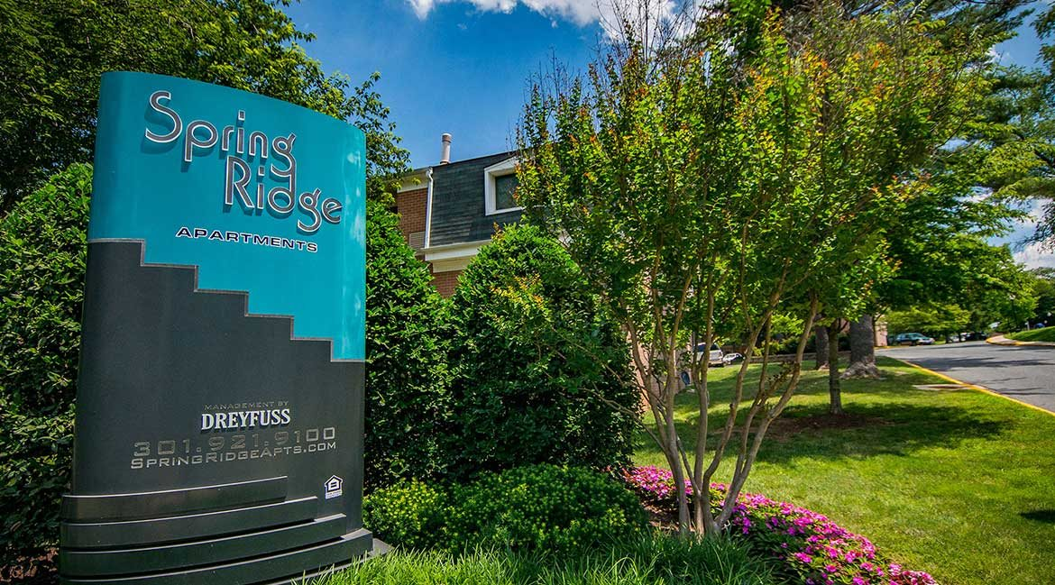 Spring Ridge Apartments Signage