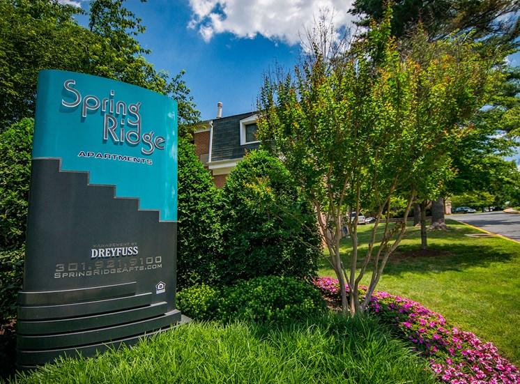 Spring Ridge Apartments Signage 09