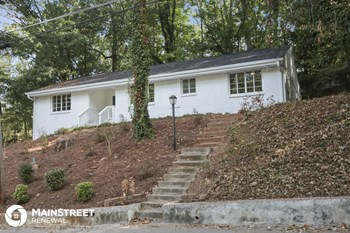 291 Vickers Dr NE 4 Beds House for Rent Photo Gallery 1