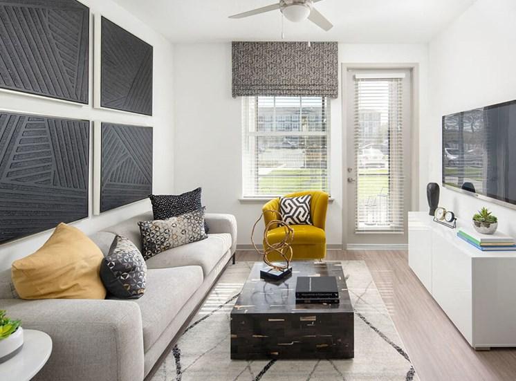 Convenient Living room at Lake Monroe Apartments, Sanford, 32771