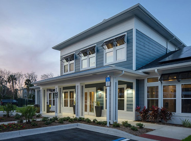 Front Exterior at Lake Monroe Apartments, Florida, 32771