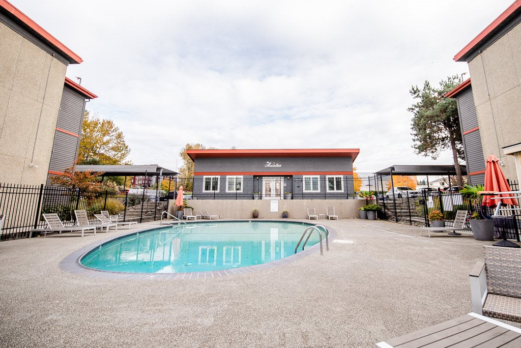 Renton Apartments - The Aviator Apartments - Pool