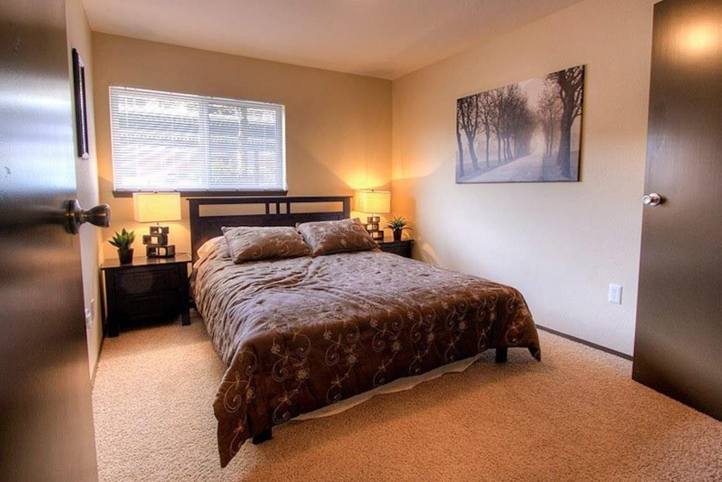 Tacoma Apartments - Heatherstone Apartments - Bedroom