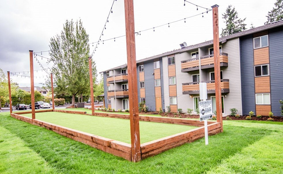 Kent Apartments - Knol Apartments - Bocce Ball Court