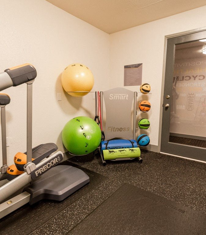 Kent Apartments - Knol Apartments - Fitness Center 2