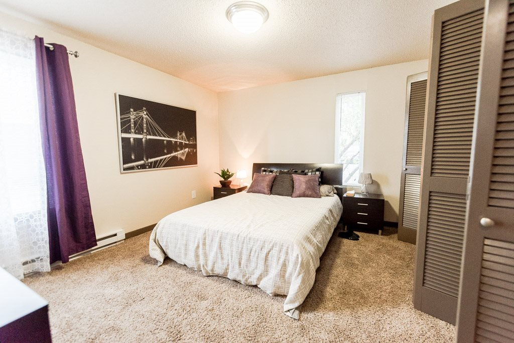Auburn Apartments - Neely Station Apartments - Bedroom 1