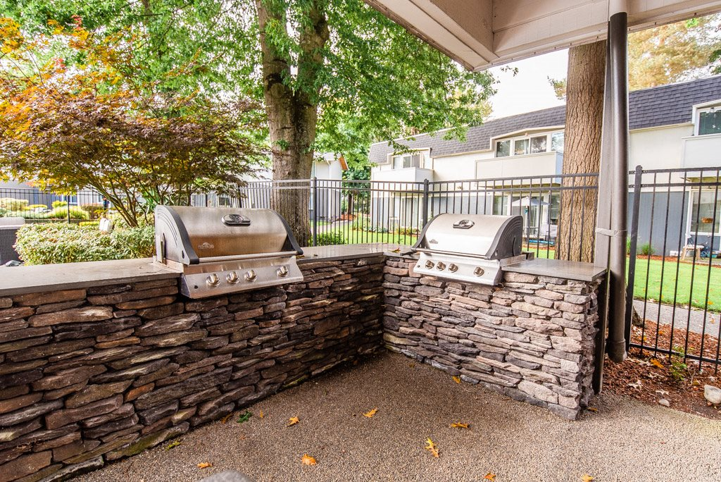 Auburn Apartments - Neely Station Apartments - Gas Grills