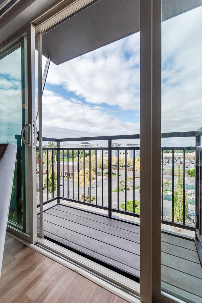 Kent Apartments - The Platform Apartments - Deck