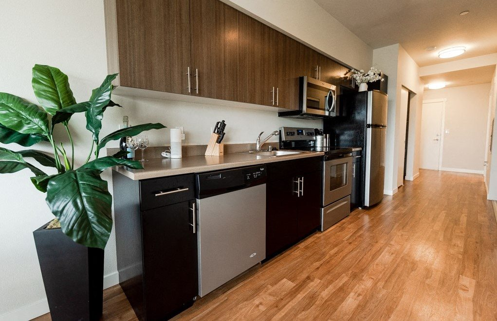 Kent Apartments - The Platform Apartments - Kitchen and Entryway