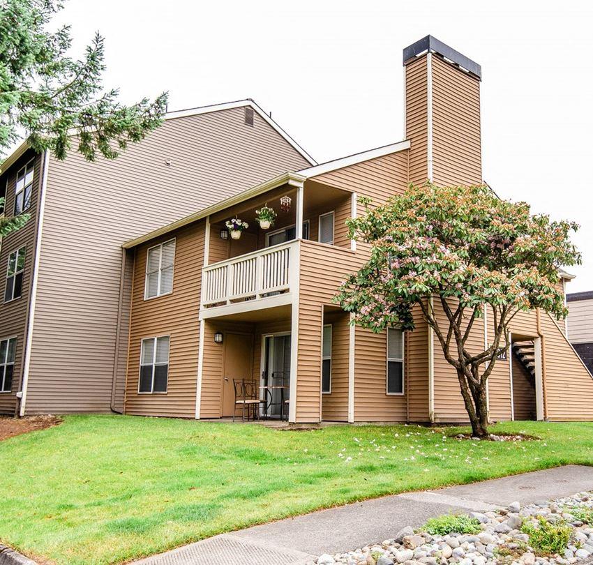 Tacoma Apartments - Sienna Apartments - Rear Exterior