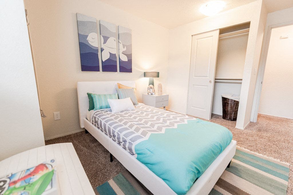Tacoma Apartments - Sienna Park Apartments - Bedroom 2