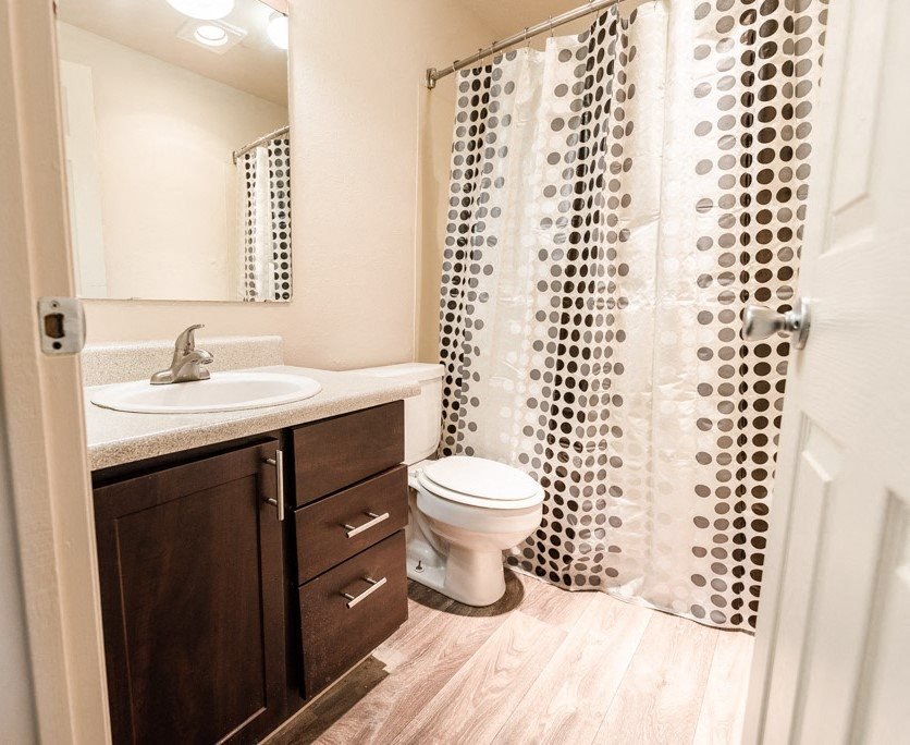Lakewood Apartments - Southern Pines Apartments - Bathroom