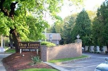 385-435 Oaklawn Ave 1-2 Beds Apartment for Rent Photo Gallery 1