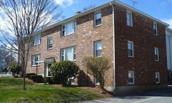 2-4 Lincoln St 2 Beds Apartment for Rent Photo Gallery 1