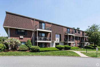 1-12 Pheasant Circle 1 Bed Apartment for Rent Photo Gallery 1
