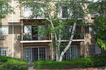 65-75 Oaklawn Ave Studio-2 Beds Apartment for Rent Photo Gallery 1