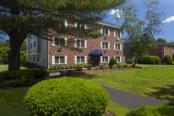 25-33 Harris St 411-419-421 Great Rd 1-3 Beds Apartment for Rent Photo Gallery 1
