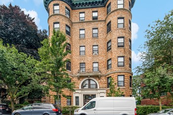 1010 Massachusetts Ave. 1-4 Beds Apartment for Rent Photo Gallery 1