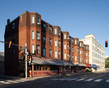 784 / 790 / 796 Main St. 1-2 Beds Apartment for Rent Photo Gallery 1
