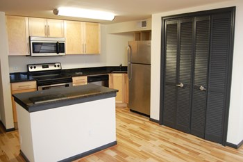 1417 E. Cary Street Studio-2 Beds Apartment for Rent Photo Gallery 1