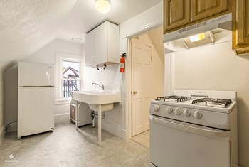 21 King Avenue 1 Bed House for Rent Photo Gallery 1