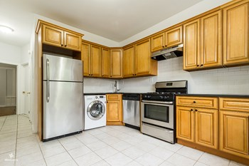 30 West 29th Street 3 Beds House for Rent Photo Gallery 1
