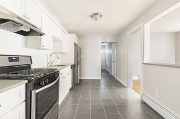 90 West 44th Street 4 Beds House for Rent Photo Gallery 1