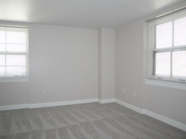 Spacious Bedrooms at Commodore Perry Apartments in Downtown Toledo, OH