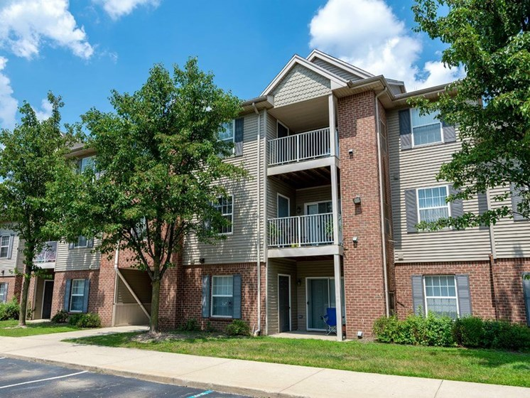 Taylor MI apartments for rent with patio/balcony