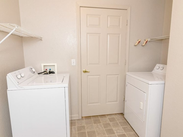 washer & dryer in Taylor MI apartments