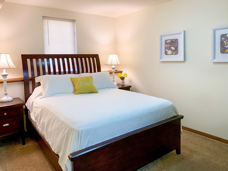 Large Bedroom At Crown Pointe Apartments In Holland, MI
