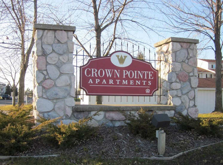 Crown Pointe Apartments Sign Holland MI