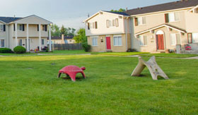 Apartments in Romulus with play area