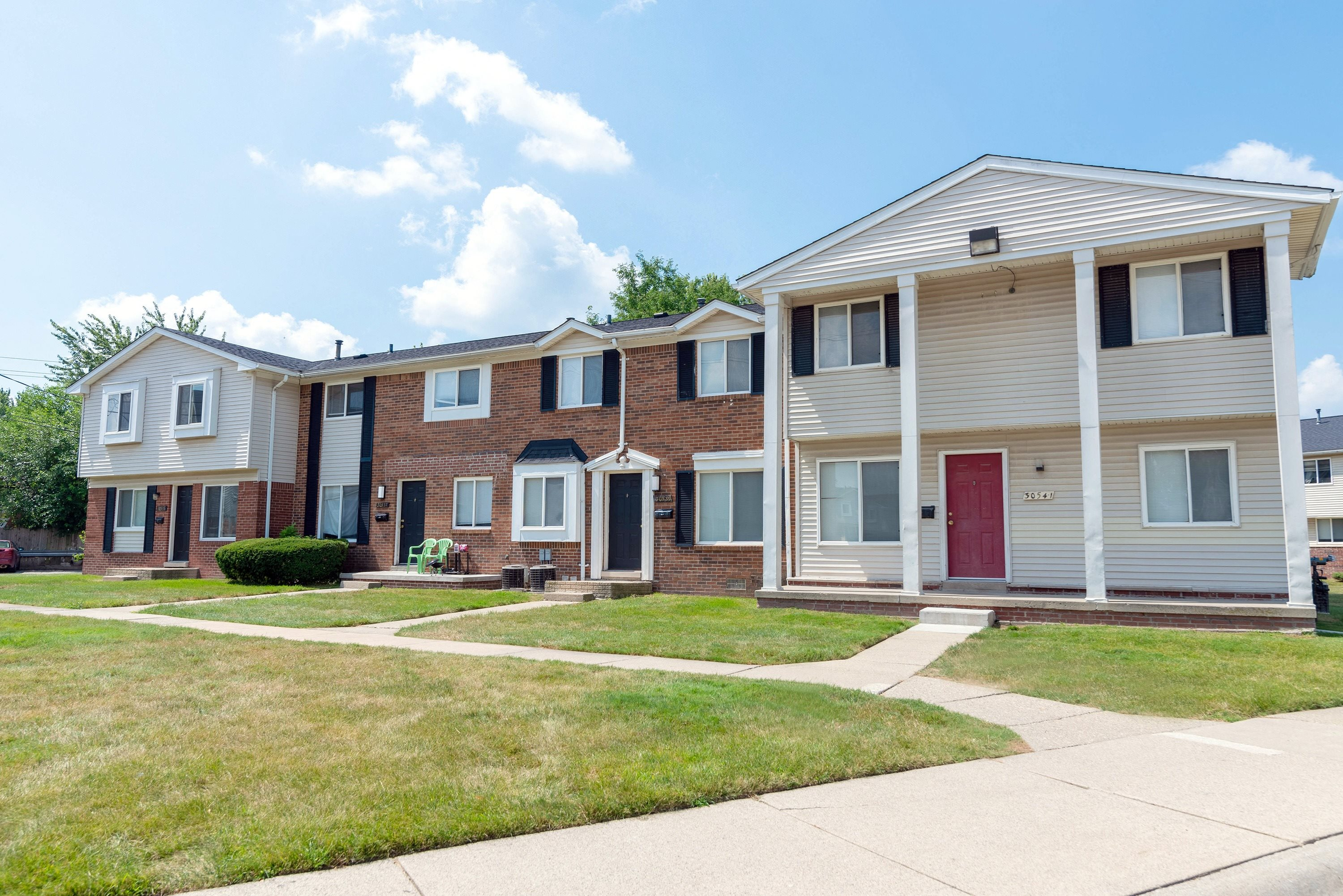 Gateway Townhomes in Romulus, MI