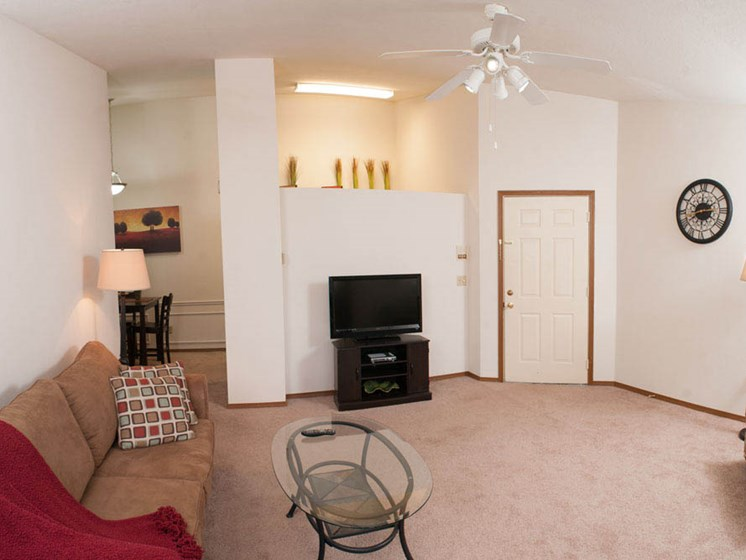 Open floor plan at Valley Stream Apartments in Maumee, OH