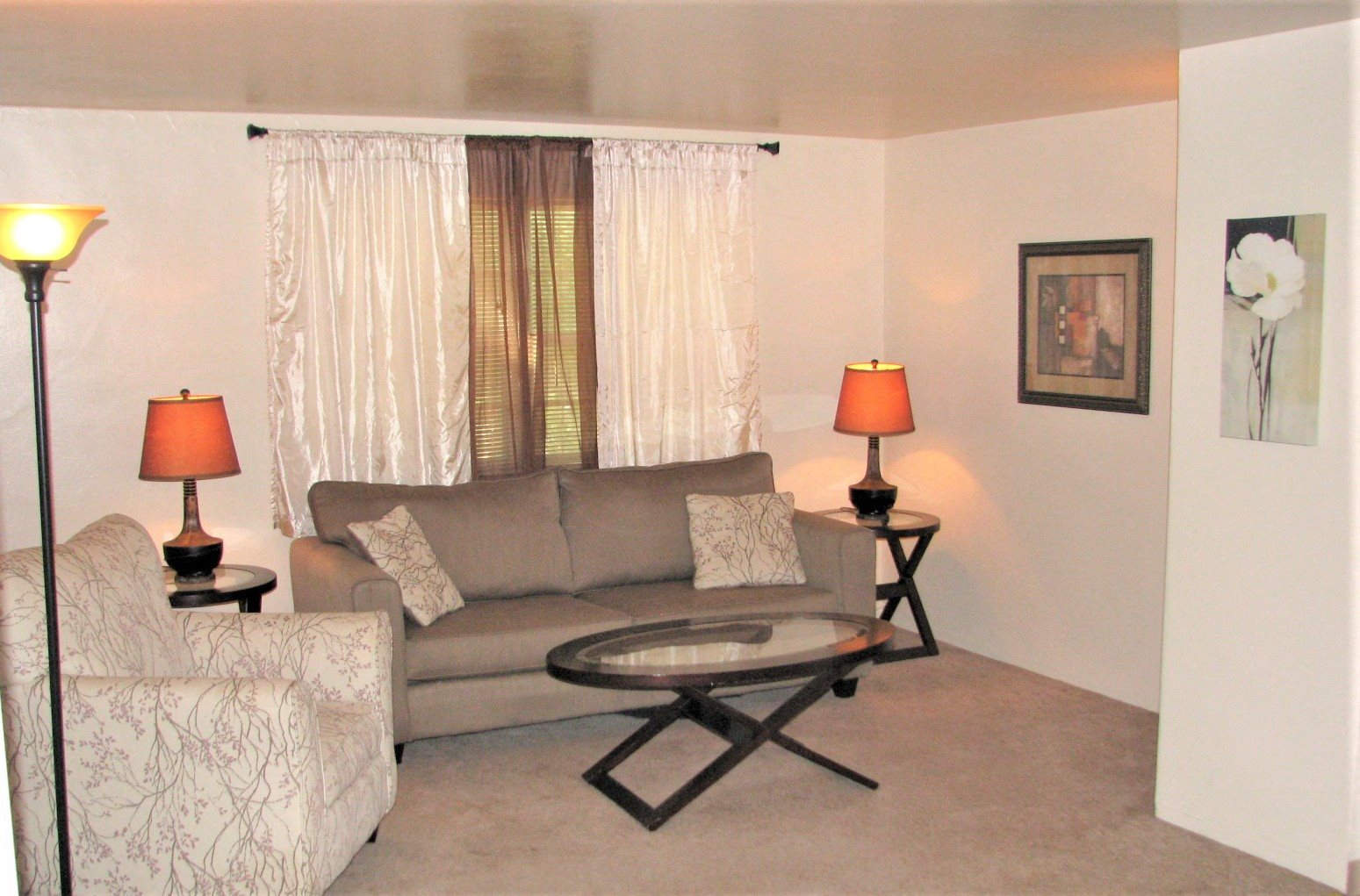 Living area Valley Park Apartments in Sioux City IA