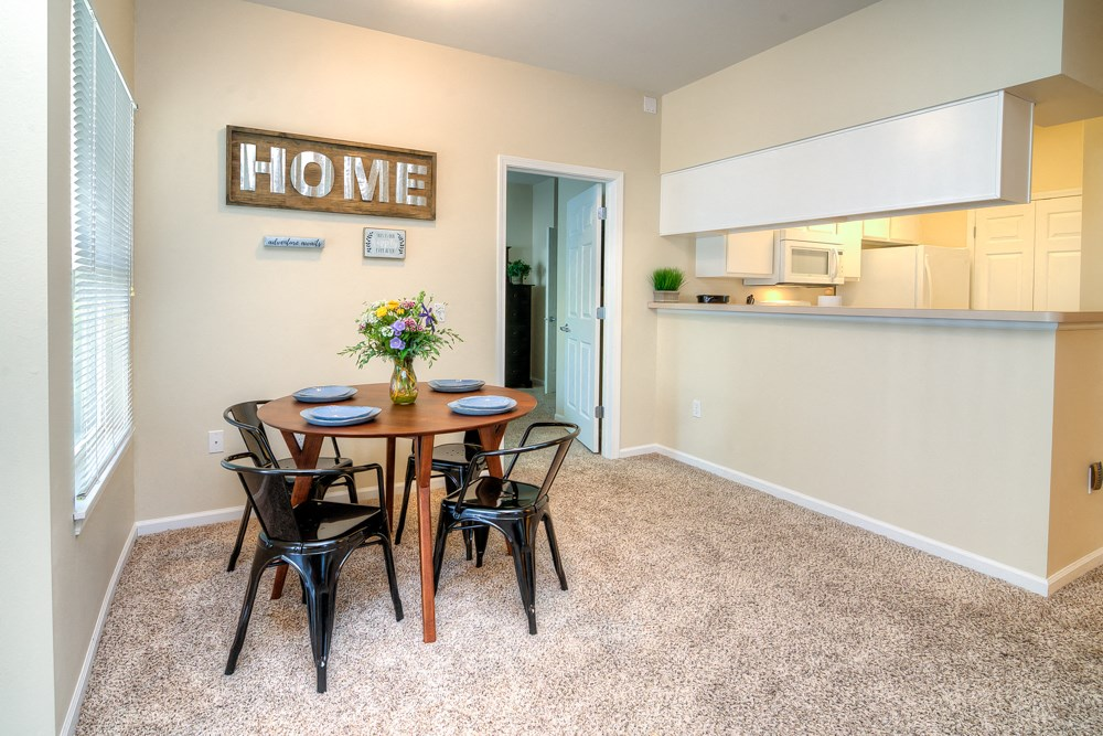 Apartments in Norton Shores Dining Area